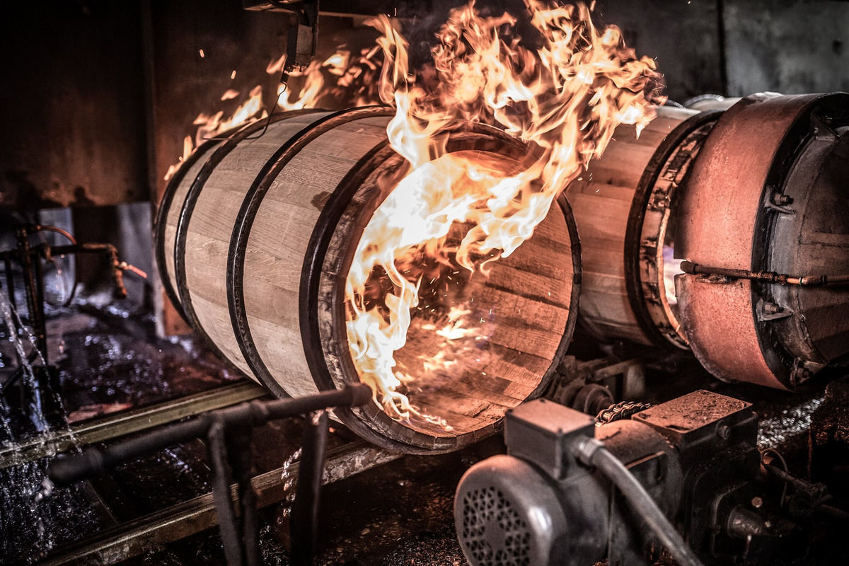 What Barrels Do To Bourbon Whiskey? - Flaviar